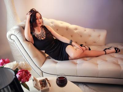 Regina Garcia - Escort Girl from Naperville Illinois
