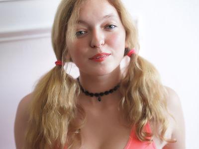 Laraine Brown - Escort Girl from Newport News Virginia