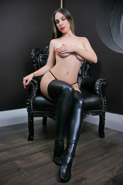 Trina Ashby - Escort Girl from Norwalk California