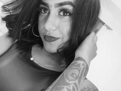 Carolayn Brown - Escort Girl from Norwalk California
