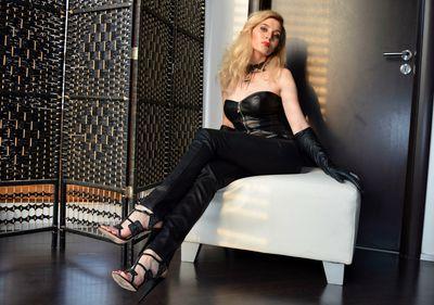 Cynthia Lacombe - Escort Girl from Modesto California