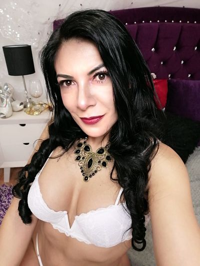 Chandrel Rose - Escort Girl from New Haven Connecticut
