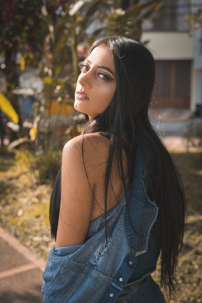 Erin Hadid - Escort Girl from Montgomery Alabama