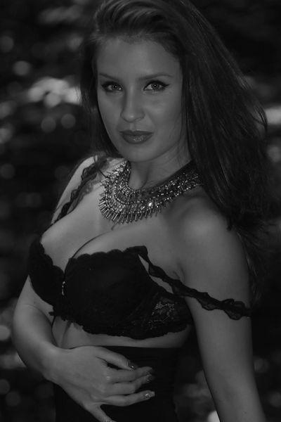 Dorinda Carter - Escort Girl from Mobile Alabama