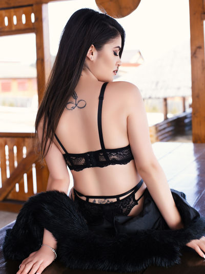Iris Paxton - Escort Girl from Minneapolis Minnesota