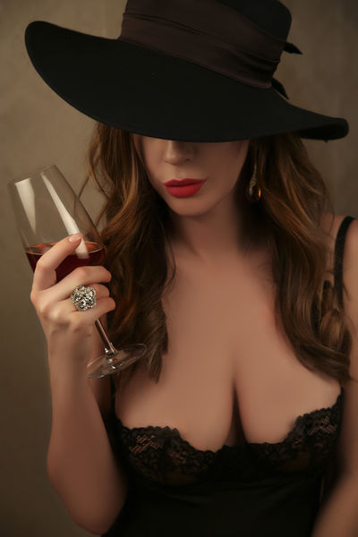Marie Mc Cabe - Escort Girl from Nashville Tennessee