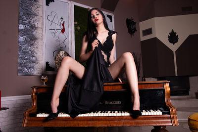 Katarina Kinsky - Escort Girl from Modesto California