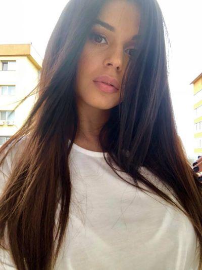 Rosalind Farwell - Escort Girl from Huntington Beach California