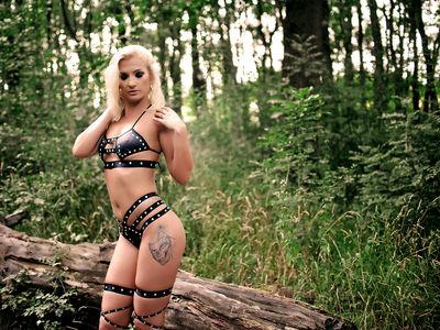 Layla Blair - Escort Girl from Newport News Virginia
