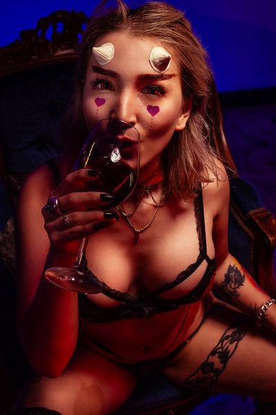 Lilith Asmodeus - Escort Girl from Hampton Virginia