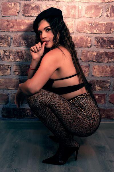 Melanie Wills - Escort Girl from Rochester New York