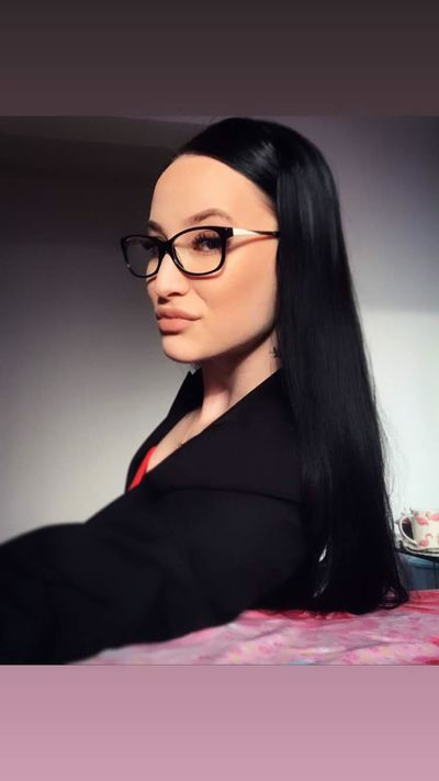 Martha Klass - Escort Girl from Sterling Heights Michigan