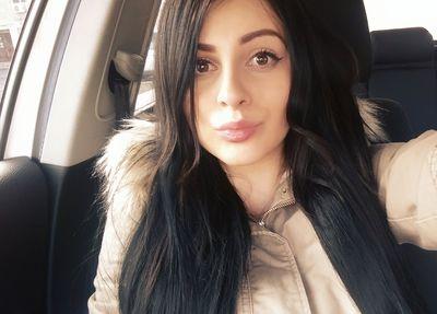 Cassandra Thompson - Escort Girl from Joliet Illinois