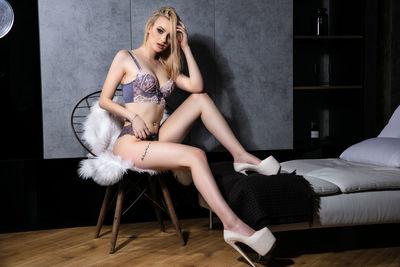Maxine Winship - Escort Girl from North Las Vegas Nevada
