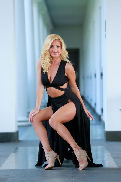 Toni Nichols - Escort Girl from Hampton Virginia