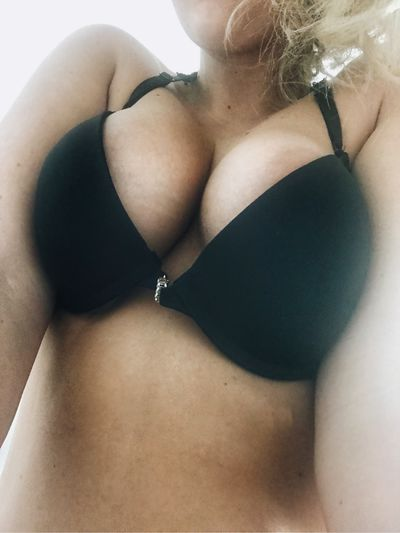 Tayanna - Escort Girl from South Bend Indiana