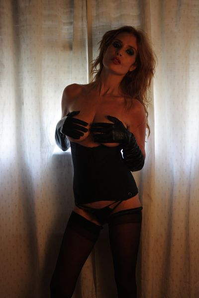 Available Now Escort in Bakersfield California
