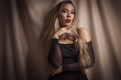 Naomi Sublett - Escort Girl from Nashville Tennessee