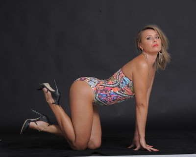 1Crazy Julia - Escort Girl from Nashville Tennessee