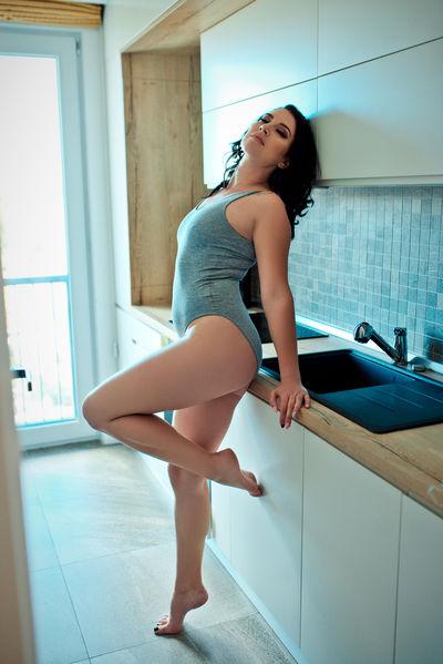 Avril Zarah - Escort Girl from Newark New Jersey