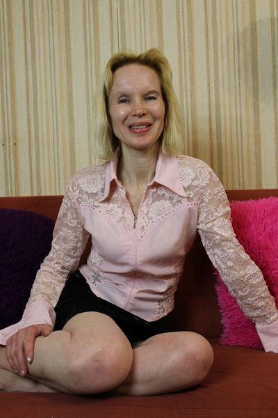 Cameron Kellie - Escort Girl from Naperville Illinois