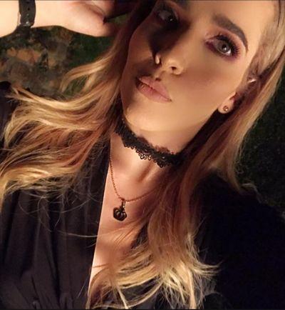Caroline Shaw - Escort Girl from Murrieta California