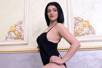Celia De Santis - Escort Girl from Moreno Valley California