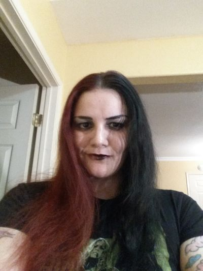 Daryna Dixon - Escort Girl from Warren Michigan