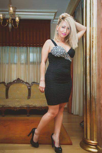 Ella Bella Sweet - Escort Girl from Moreno Valley California