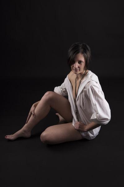 Francaise Emy - Escort Girl from Moreno Valley California