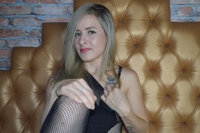 Haly Petite - Escort Girl from Pearland Texas