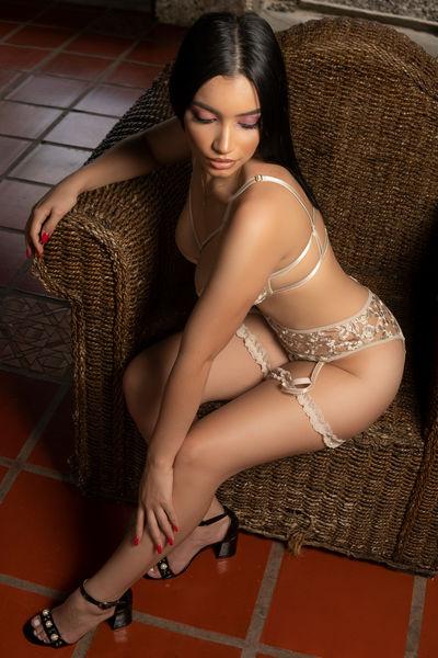 Isabella Moldova - Escort Girl from Pearland Texas