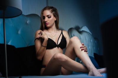 Melanie Klum - Escort Girl from Warren Michigan