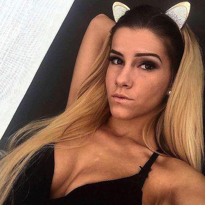 Nikita V - Escort Girl from Pearland Texas