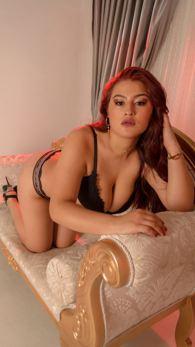 Brunette Escort in Memphis Tennessee