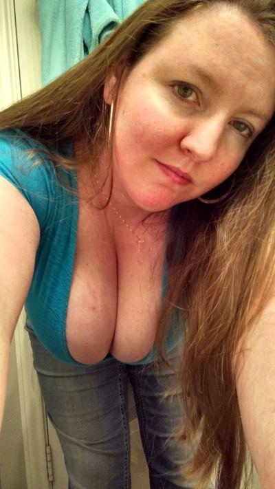 Redheadredneck - Escort Girl from Naperville Illinois