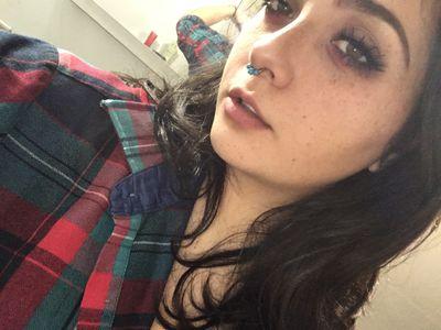 Sakurazaki - Escort Girl from Springfield Massachusetts