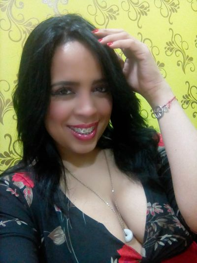 violethine - Escort Girl from Pearland Texas